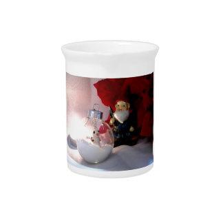 Muñeco de nieve y gnomo jarras de beber