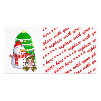 Muñeco de nieve y oso del navidad tarjeta fotografica