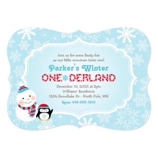 Muñeco de nieve y pingüino del cumpleaños el | de