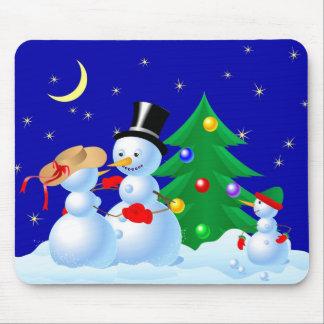 Muñecos de nieve del baile alfombrilla de raton