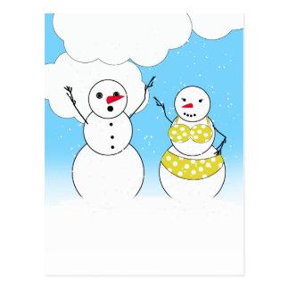 Muñecos de nieve del tiempo del bikini postales