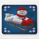 Muñecos de nieve del vintage: Sledder Alfombrilla De Ratones