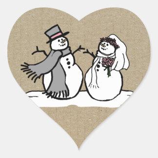 Muñecos de nieve novia del invierno y boda del nov calcomanía corazón