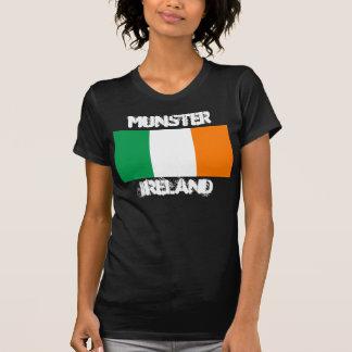 Munster, Irlanda con la bandera irlandesa Camisas