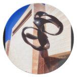 Museo de la escultura del metal del extracto del a plato de comida