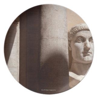 Museo del capitolio, cara del busto del emperador  platos para fiestas