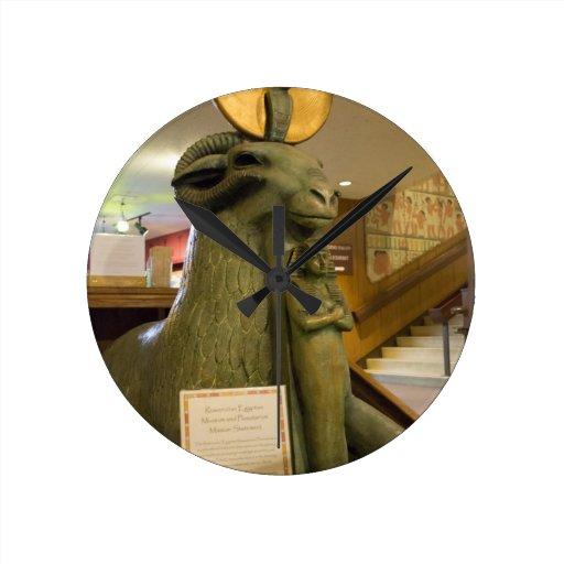 Museo egipcio de San Jose, estatua del espolón Reloj Redondo Mediano