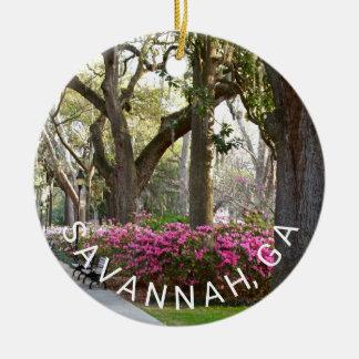 Musgo de los robles vivos de las azaleas del adorno navideño redondo de cerámica