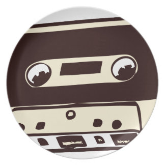 MUSIC CASSETE TAPE PARTY PLATE