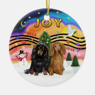 Música 2 de Navidad - Dachshund (dos de pelo Adorno Redondo De Cerámica