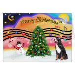 Música 2 del navidad - perro de montaña de Bernese Tarjeton