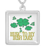 Música a mis oídos irlandeses colgante personalizado