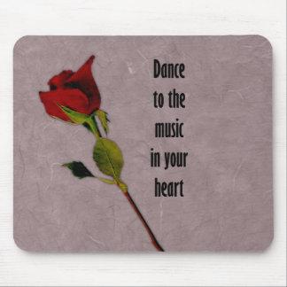 Música color de rosa en su corazón tapete de raton