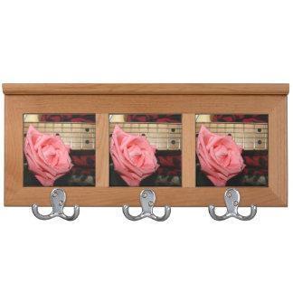 música color de rosa rosada del cuello del