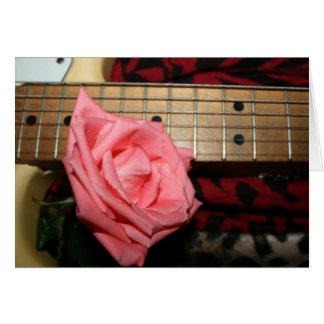 música color de rosa rosada del cuello del tarjeta pequeña