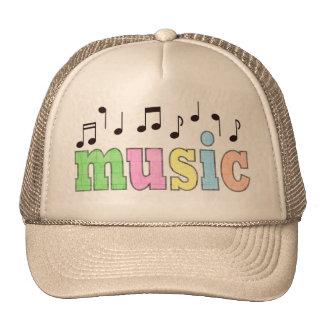 Música con las notas gorras de camionero