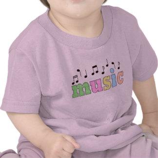 Música con las notas camisetas