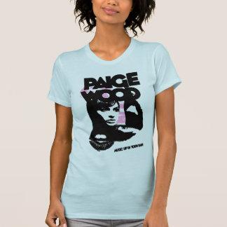 Música de madera de Paige para arriba en su camise