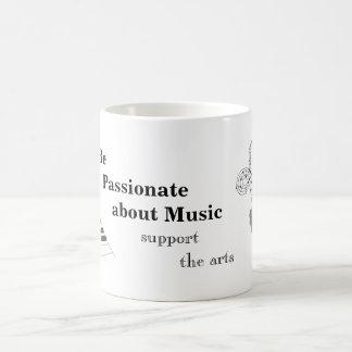 Música del piano taza de café