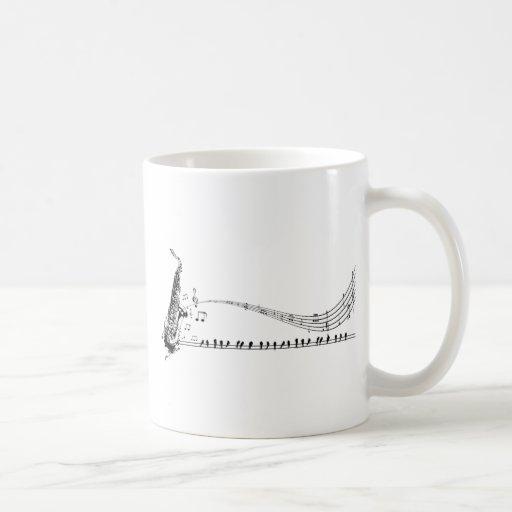 Música del saxofón taza de café