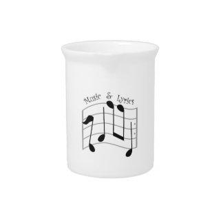 Música y letras jarras de beber