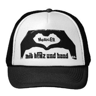 musicER mit hERz und hand Trucker Hat