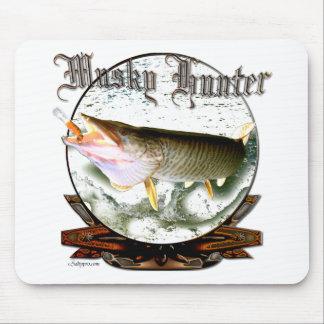 Musky hunter 1 mouse pad