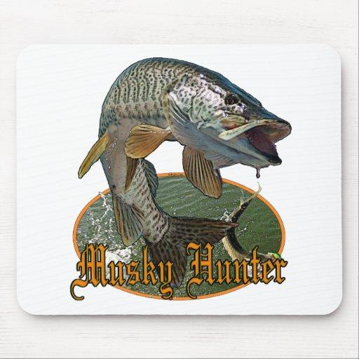 Musky Hunter 9 Mouse Pad