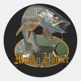 Musky Hunter 9 Classic Round Sticker