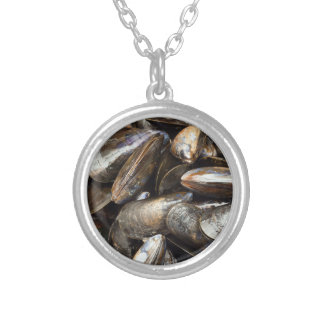 Mussels Round Pendant Necklace