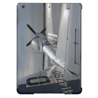 Mustango en la pista de despeque funda para iPad air
