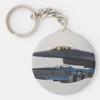 MUSTANGO P-51 Y F-16 EAGLE LLAVERO REDONDO TIPO PIN