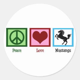 Mustangos del amor de la paz pegatina redonda