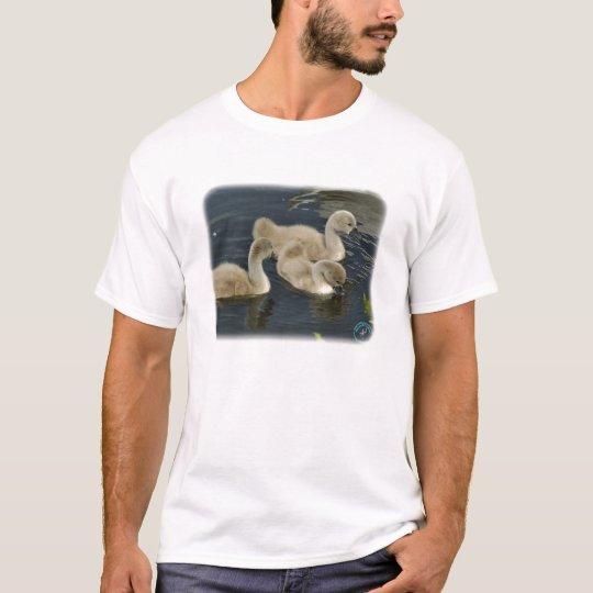Mute Swan Cygnets 9R054D-110 T-Shirt