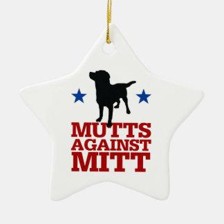 Mutts contra el mitón ornamento de navidad