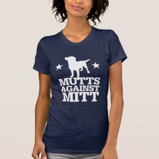 Mutts contra el mitón camisetas