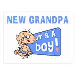 Muy divertido es un nuevo regalo del abuelo del tarjeta postal