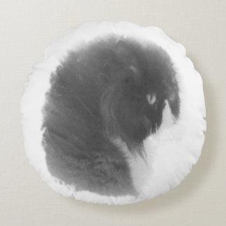 My CatLove Gorky I Round Pillow