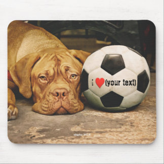 My dog loves soccer and I love my dog Tapetes De Ratón