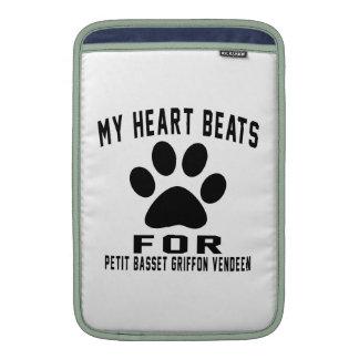 MY HEART BEATS FOR Petit Basset Griffon Vendeen. Sleeve For MacBook Air