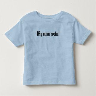 My mom rocks! toddler t-shirt