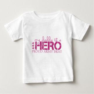mydaddyisaheroproudarmybrat baby T-Shirt