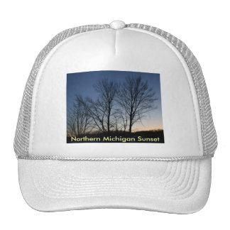 N. gorra de la puesta del sol de Michigan