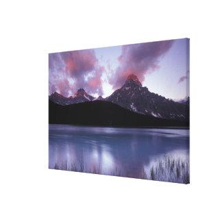 NA, Canadá, Banff NP, la primera luz de la mañana  Impresión En Lona
