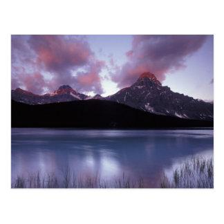 NA Canadá Banff NP la primera luz de la mañana Postal