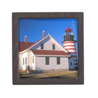 NA, los E.E.U.U., Maine.  Faro del oeste de Quoddy Cajas De Recuerdo De Calidad