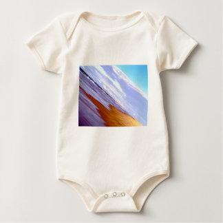 na pacífico de la costa costa de la playa del trajes de bebé