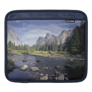 NA, USA, California, Yosemite NP, Valley view iPad Sleeve