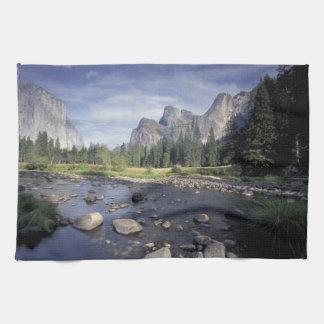 NA, USA, California, Yosemite NP, Valley view Kitchen Towels
