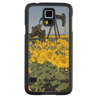 Na, USA, Colorado, Sunflowers, Oil Derrick Carved® Maple Galaxy S5 Case